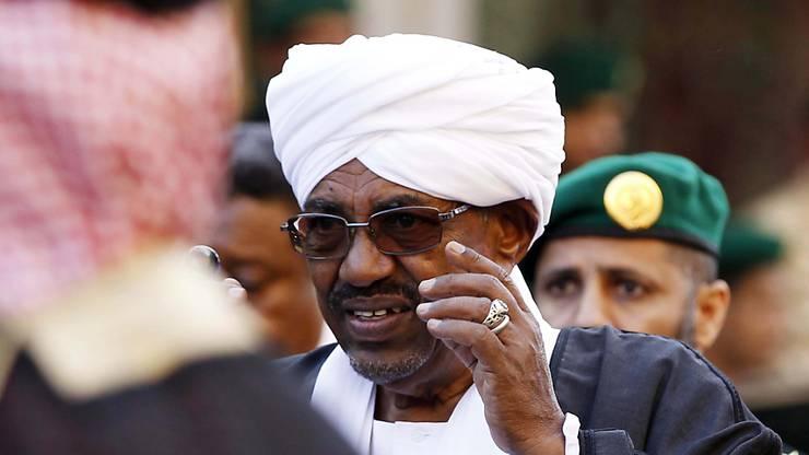 Sudans Präsident Omar al-Bashir wird durch einen Militärrat ersetzt. (Archiv)