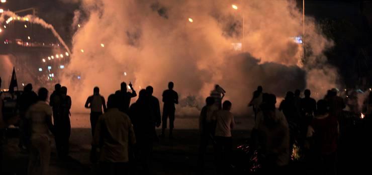 Zusammenstösse zwischen den Polizei und Demonstranten in Nasr City in Kairo. Die Demonstranten haben hier ihre Zentrale.