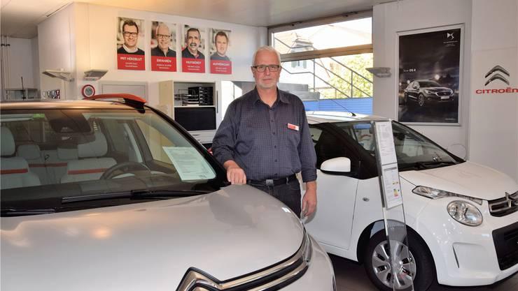 Mit der Salzhus Usstellig könnten sich die Gewerbetreibenden ausserhalb ihres angestammten Platzes präsentieren und auch neue Kunden erreichen, sagt Markus Schmid, hier am Standort Brugg des Citroën-Centers Erne & Kalt AG. mhu