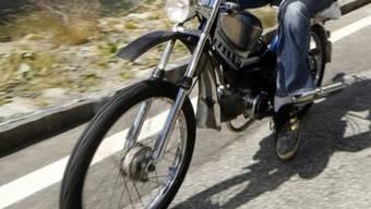 Der 14-jährige Mofafahrer wurde nur leicht verletzt (Symbolbild)
