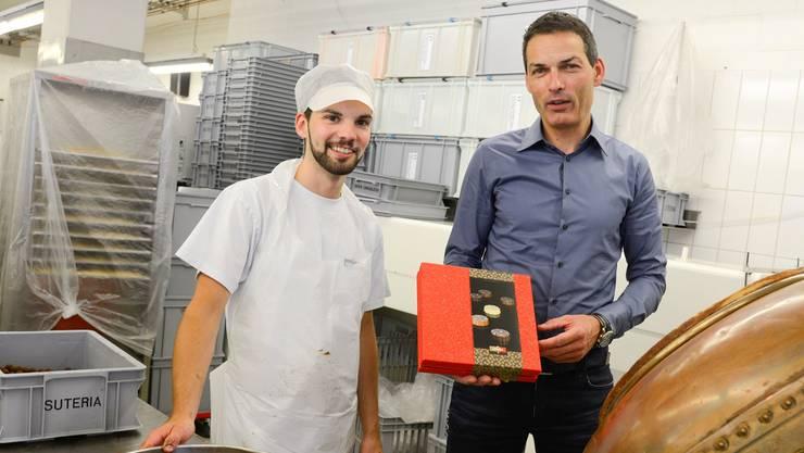 Michael Brüderli (r.), Geschäftsführer der Suteria Chocolata AG, und Daniel Meier, Chef Confiserie, sind bereit für das China-Abenteuer. hansjörg Sahli