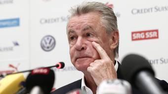 Ottmar Hitzfeld tritt in Brasilien ein letztes Mal vor die Medien