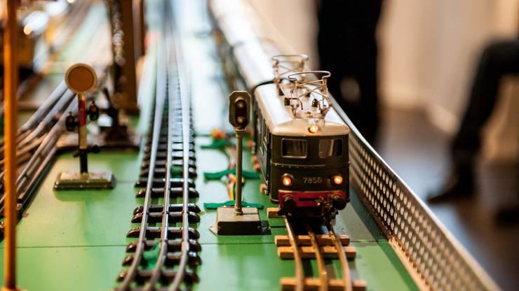 Fast ohne Unterbruch drehen die kleinen Züge ihre Runden.