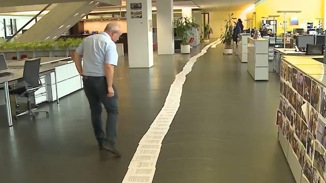 Dicke Post: Die Anklageschrift gegen Santoro misst ausgelegt über 100 Meter