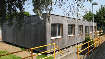 AL und GLP sind dagegen, dass  ganze Pavillon-Schulen wegen ungenügender Planung erstellt werden müssen (Symbolbild)