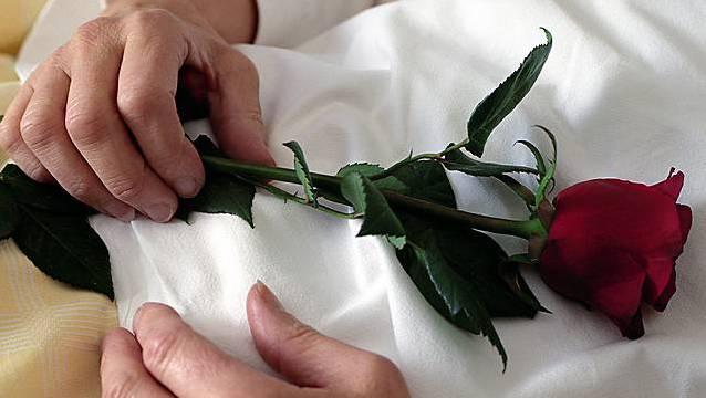 Die Tochter starb im Alter von nur 13 Jahren. (Symbolbild)