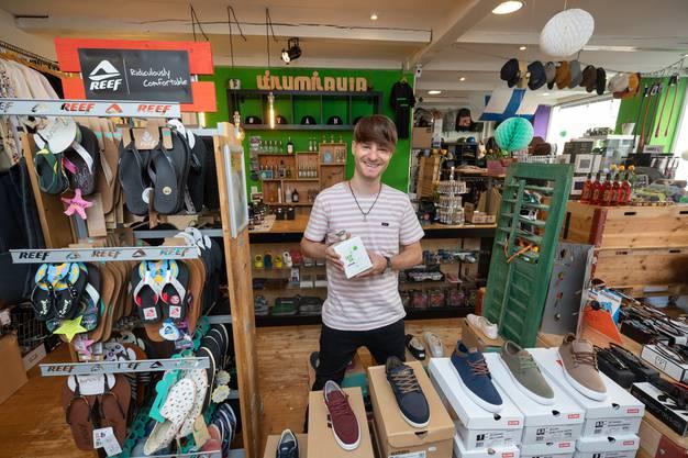 Beni Fasnacht ist Geschäftsführer des Oltner Lumilauta - Shops (4)