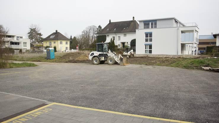 2009 hatte die Gemeindeversammlung die «altersgerechten Wohnungen» am Dorfplatz in Auftrag gegeben. (Archiv)