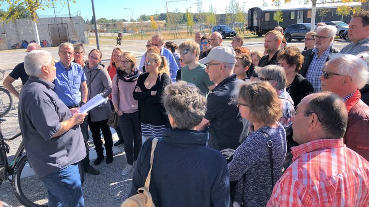 Unter dem Motto «Attisholz – Gestern und Heute» zeigt Erich Gasche im neuen Uferpark viel Interessantes zur Firmengeschichte der ehemaligen Cellulose Attisholz AG auf.