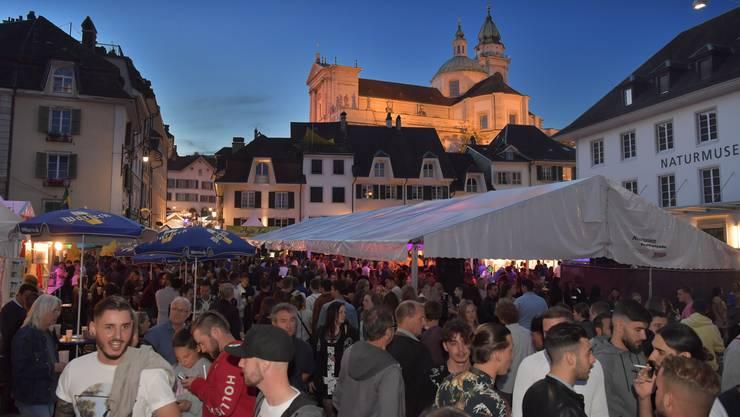 So liebt Solothurn sein Märetfescht: laue Sommerabende unter stahlblauem Himmel.