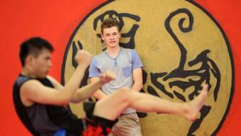 Pascal Käser, Präsident der Jungen SVP des Kantons Solothurn steht hinter Kampfsportarten – sei es Karate, Krav Maga oder MMA.