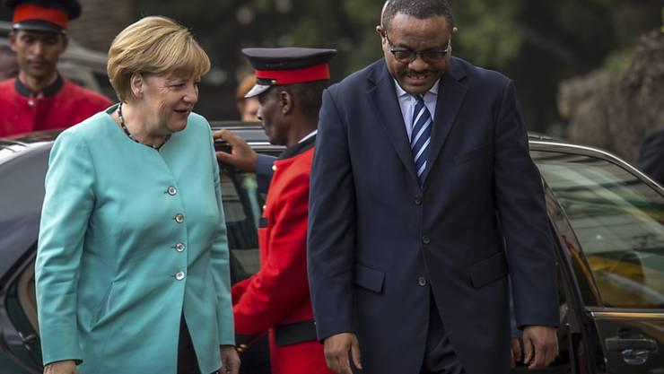 Die deutsche Kanzlerin wurde vom äthiopischen Regierungsschef Hailemariam Desalegn empfangen.