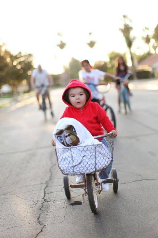 Sehr gelungen. Willow mit E.T. dem Ausserirdischen.
