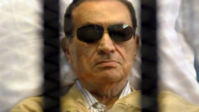 Ägyptens Ex-Präsident Husni Mubarak vor Gericht (Archiv)