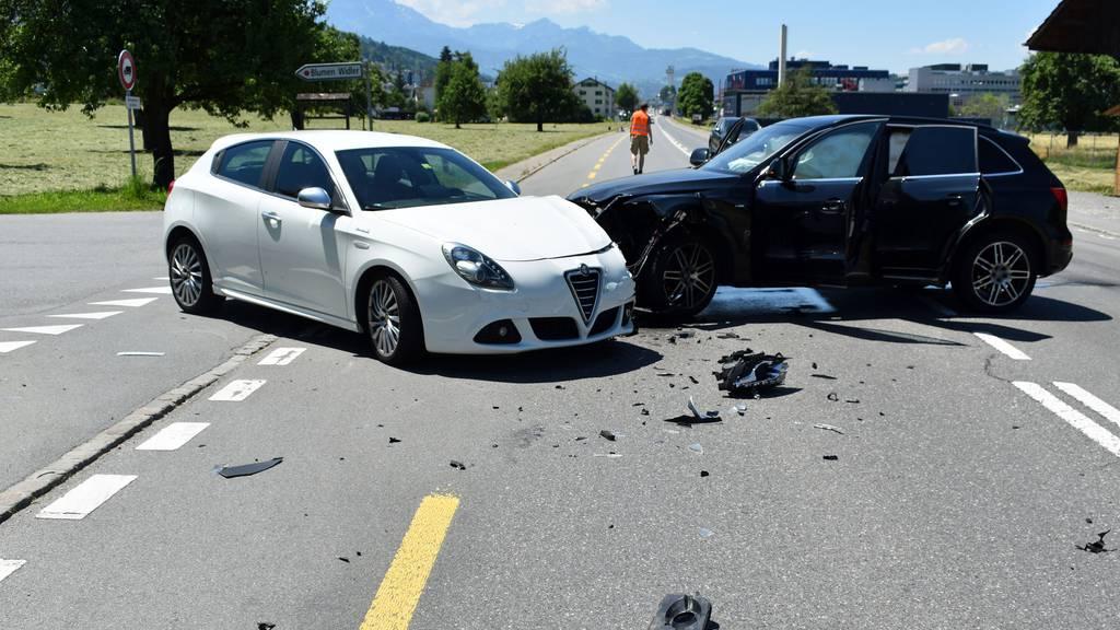 Zwei kleine Kinder bei Unfall leicht verletzt