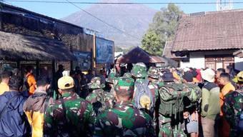 Am Berg Rinjani auf der Insel Lombok kam es nach den Beben zu Erdrutschen. (Archivbild)