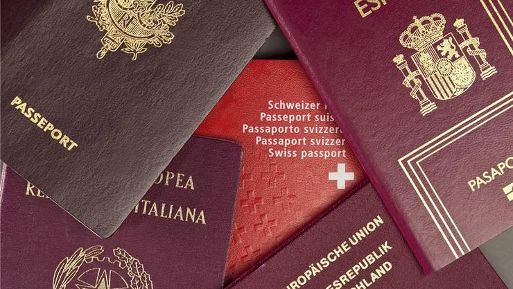 Für den Schweizer Pass soll eine einheitliche Gebühr gelten.