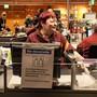 Viele Supermärkte limitieren zurzeit die Zahl der Personen, die gleichzeitig im Laden sein dürfen. Wäre der Sonntagsverkauf eine Lösung?