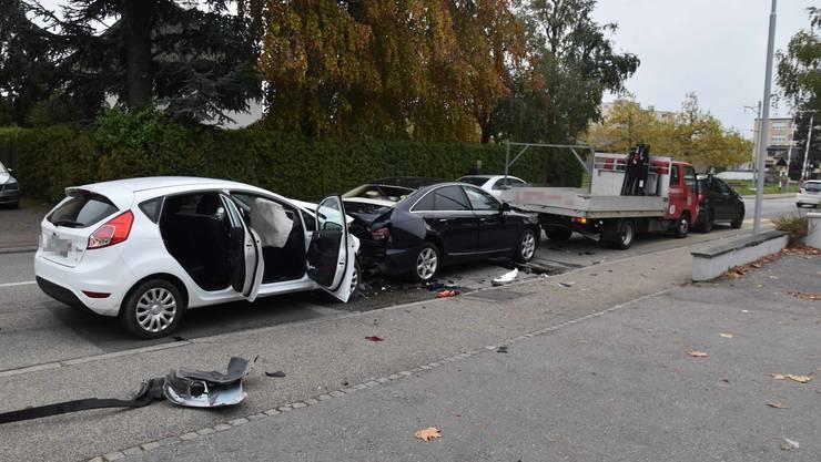 Der Lenker des weissen Autos konnte nicht mehr bremsen.