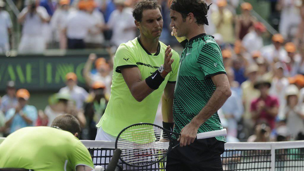 Nadal und Federer im vergangenen April beim Miami Open. (Archiv)
