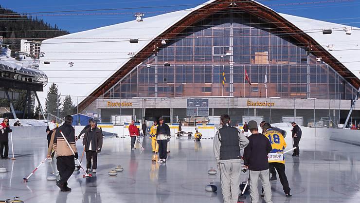 Der Bund will sich auch künftig finanziell am Bau von Sportanlagen beteiligen. Eines der Projekte ist der Neubau des Davoser Eisstadions. (Archivbild)