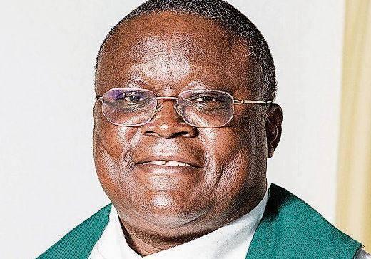 Willy Mayunda, katholischer Pfarrer von Engstringen: «Die besonderen  Vorkehrungen reduzieren meiner Meinung nach die Lebendigkeit der  Gottesdienste.»