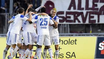 Lausannes Spieler feiern Sieg gegen Servette