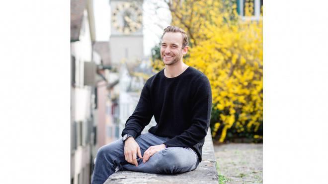 Joël Dicker auf Besuch in Zürich. Er wischt mit Unbekümmertheit den steigenden Erwartungsdruck weg. Foto: Sandra Ardizzone