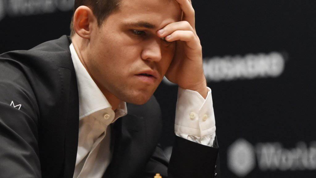 Magnus Carlsen auf der Suche nach dem genialen Zug.