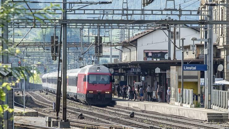 Widersprüchliche Perspektiven zum Liestaler Bahnhof: viel Geld für Infrastrukturausbau...