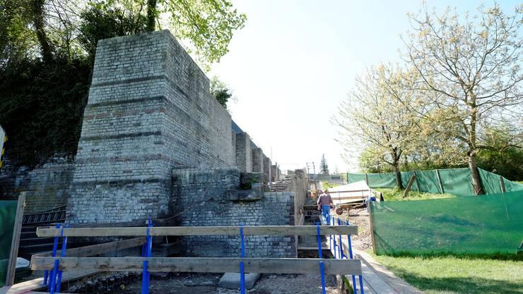 Die Basilika-Mauer der Augusta Raurica in Augst muss saniert werden.