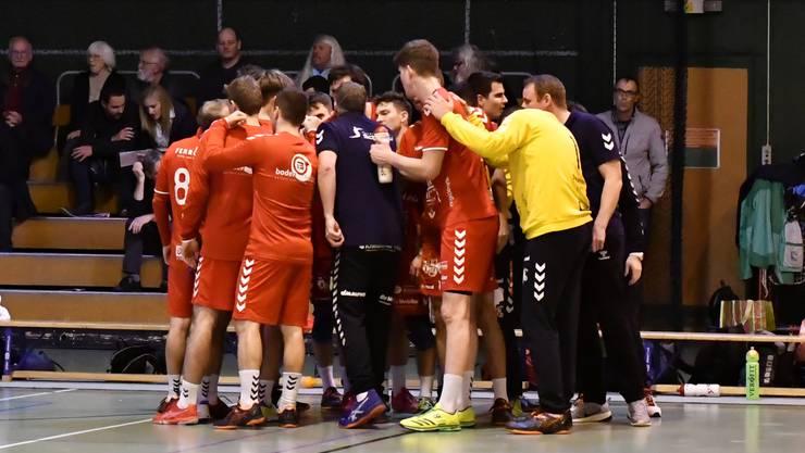 Vor dem Spiel schwören sich die Spieler auf die kommende Partie ein.