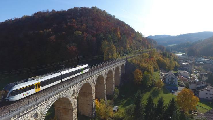 Das Läufelfingerli über dem Viadukt Rümlingen