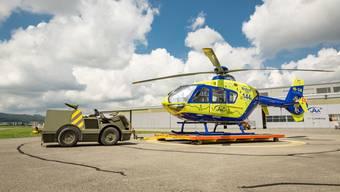 Streitobjekt: Der gelbe Helikopter der AAA auf dem Flugplatz Birrfeld.