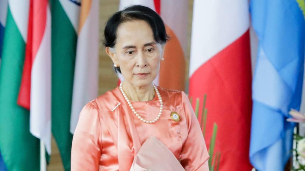 Suu Kyi an das Volk von Myanmar: Militärputsch nicht hinnehmen