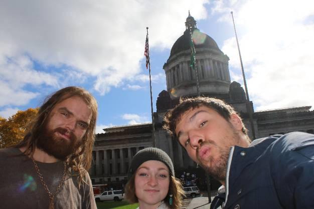 Die beiden machen auch gleich eine Stadtführung mit mir. Unter anderem zeigen sie mir das Washington State Capitol ...