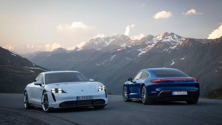 Porsche Taycan Turbo S und Taycan Turbo.