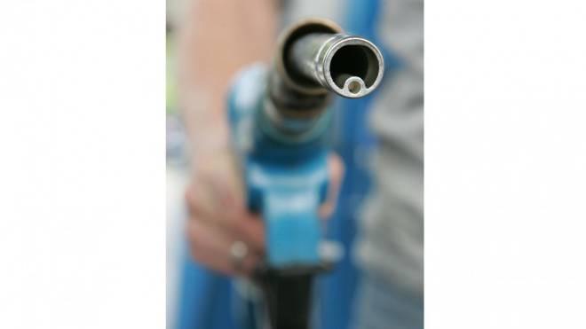Steigende Benzinpreise: Die Inflation zieht wieder an. Foto: Keystone/Christian Beutler