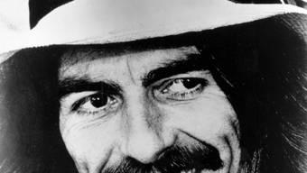 """Ex-Beatle George Harrison: Seine Gitarre  """"Maton Master Sound MS-500"""", die er im Sommer 1963 auf mehreren Konzerten gespielt hatte, wurde jetzt unter dem Schätzwert versteigert. (Archiv)"""