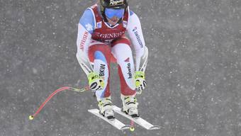 Lara Gut kommt im ersten Training von Lake Louise bei leichtem Schneefall gut zurecht