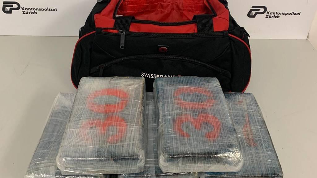 Mann mit neun Kilo Koks am Flughafen festgenommen