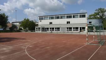 Der Pausenplatz des Schulhauses. (Archiv)