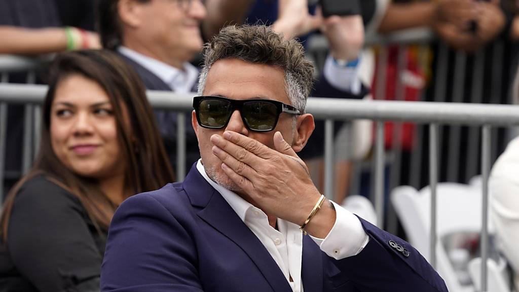 Spanischer Star Alejandro Sanz mit Stern in Hollywood gefeiert