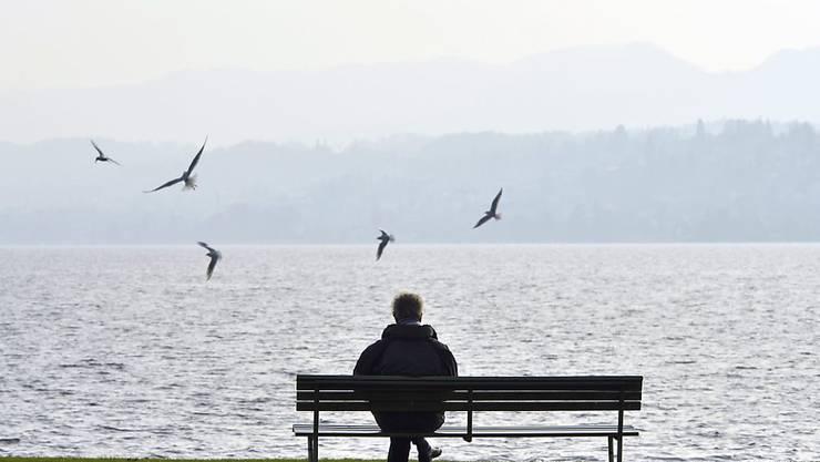 Jede dritte Person hierzulande fühlt sich einsam. (Symbolbild)