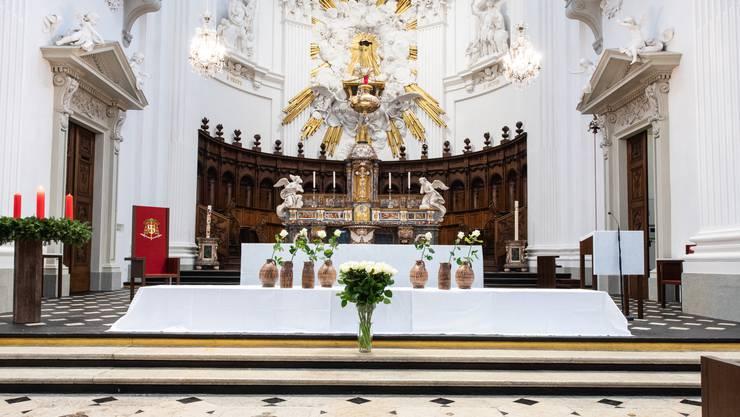 Die Feier für die Opfer des Brandes vom 26. November 2018 fand in der St.-Ursen-Kathedrale statt