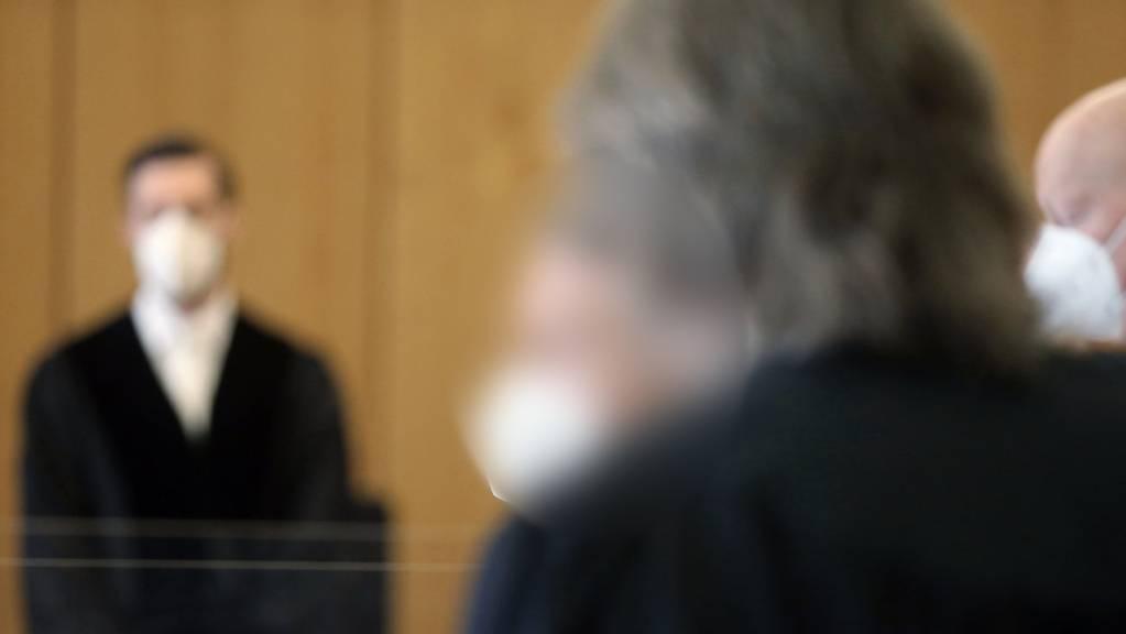 Prozessbeginn am Gericht – auch auf die Zahl der Strafverurteilungen hat sich die Corona-Pandemie ausgewirkt: Sie ging im vergangenen Jahr zurück. (Archivbild)