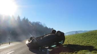 Verkehrsunfall wegen glatter Fahrbahn in Beinwil im Freiamt