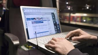 Internet: Kommunikation, Spass, Information, Bildung und Konsum