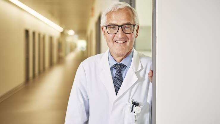 Basil Caduff war über 30 Jahre lang im Dienst des Spital Limmattal. Er erinnert sich an besondere medizinische Meilensteine.