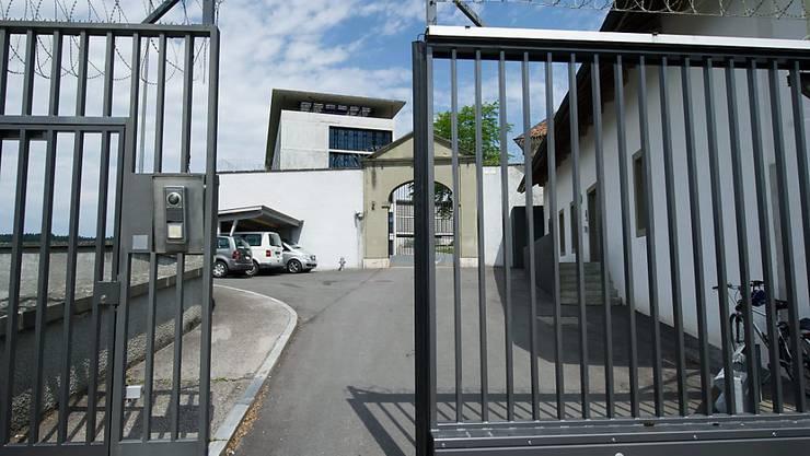 In der Strafanstalt Thorberg - hier der Haupteingang - sitzt der Somalier seine Strafe bereits ab. (Archivbild)